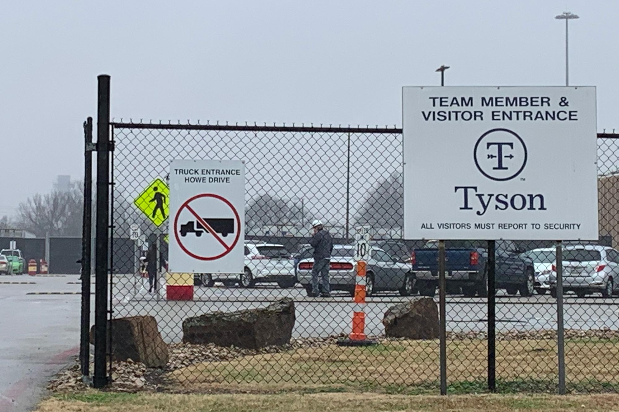 Tyson Foods, JBS, Cargill e Smithfield Food, as grandes redes de processamento de carne, enfrentaram processos por negligência em tempos de Covid-19. Foto: Wendy Pérez