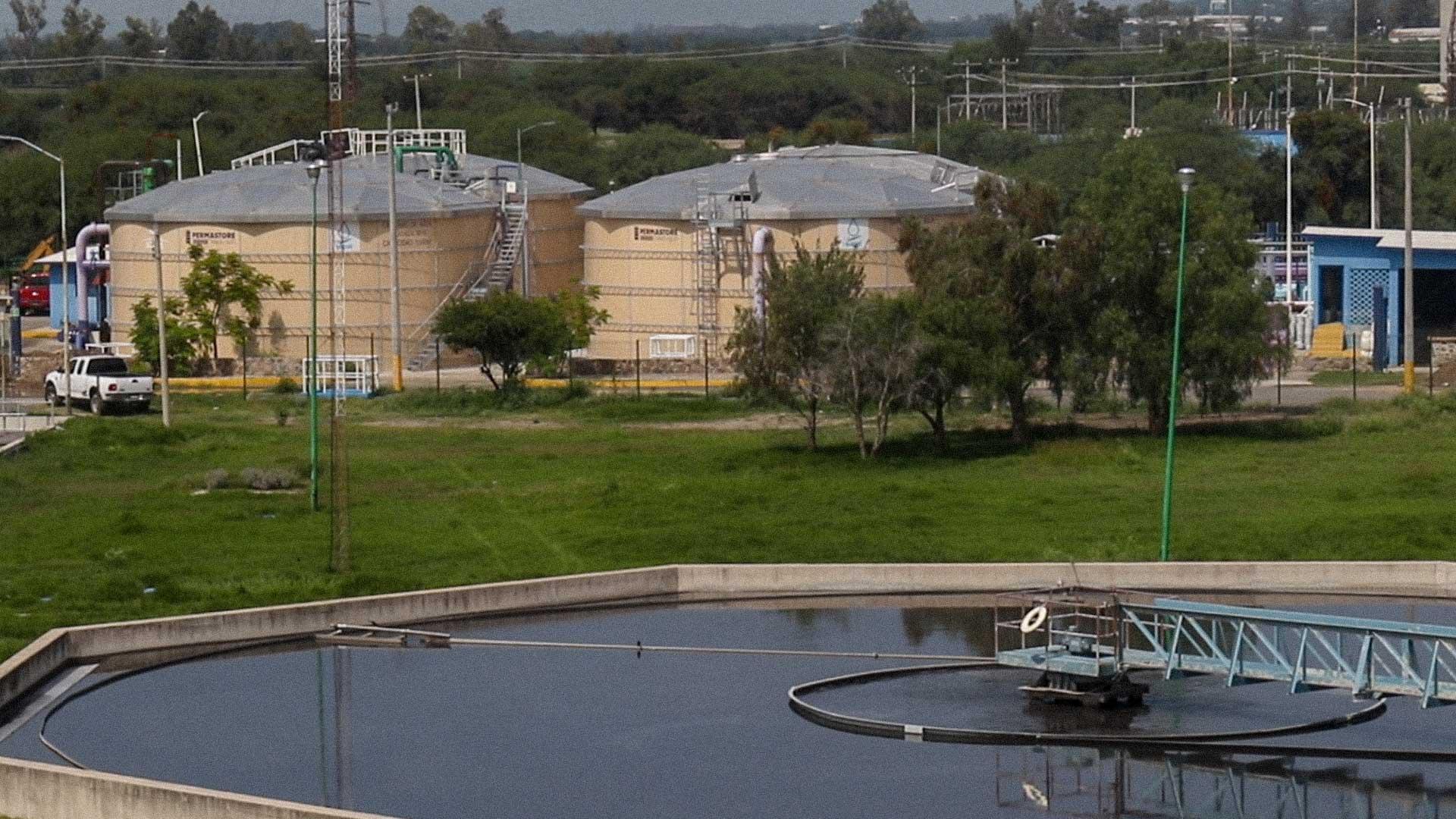 Las plantas de tratamiento de aguas en las ciudades no suelen cumplir con los estándares establecidos en las normas. Foto: Juan José Plascencia.
