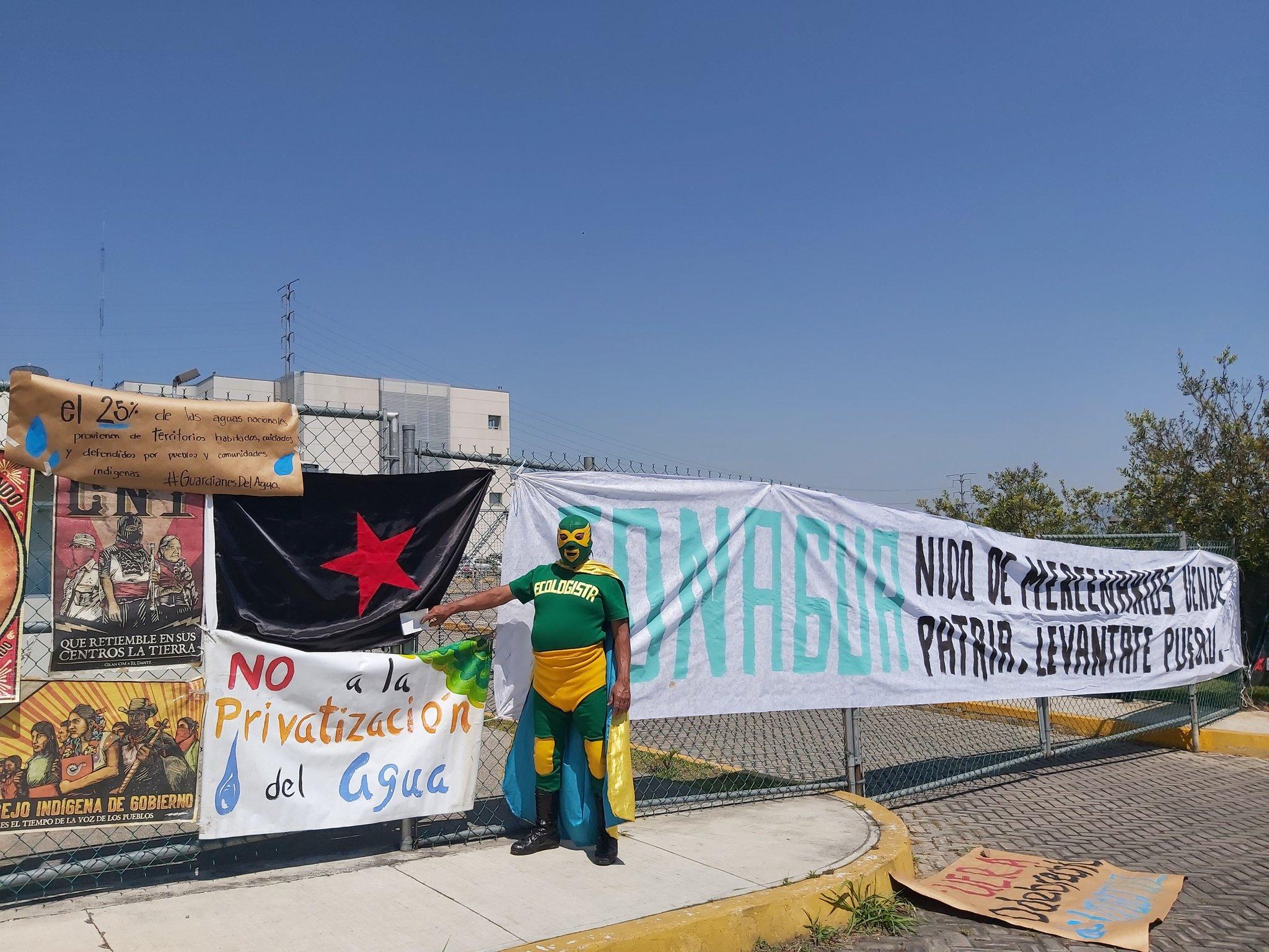 Organizaciones de la sociedad civil exigen una nueva ley en la que se garantice el derecho humano al agua. foto: Todos por el agua
